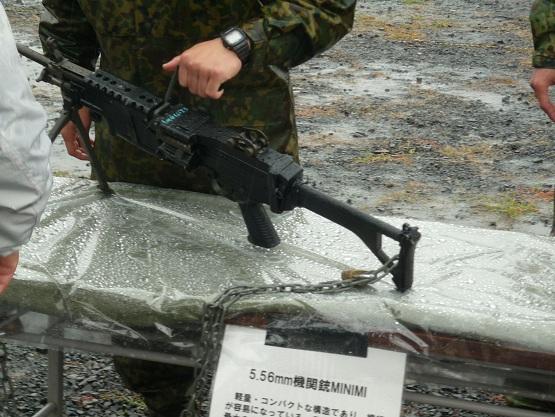 MINIMI機関銃 (1).JPG