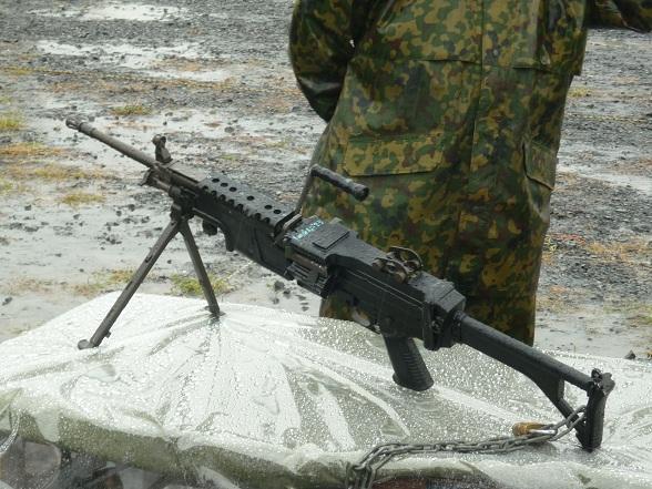 MINIMI機関銃 (4).JPG